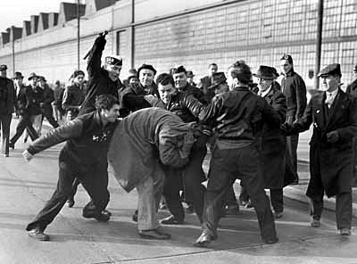 Detroit Race Riot 1943 巨大工場 リバールージュファクトリー Naver まとめ